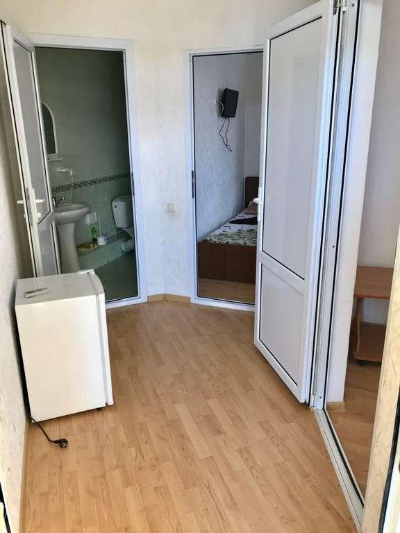 2-х комнатные номера с удобствами 5-и местный цена за номер (с балконом)