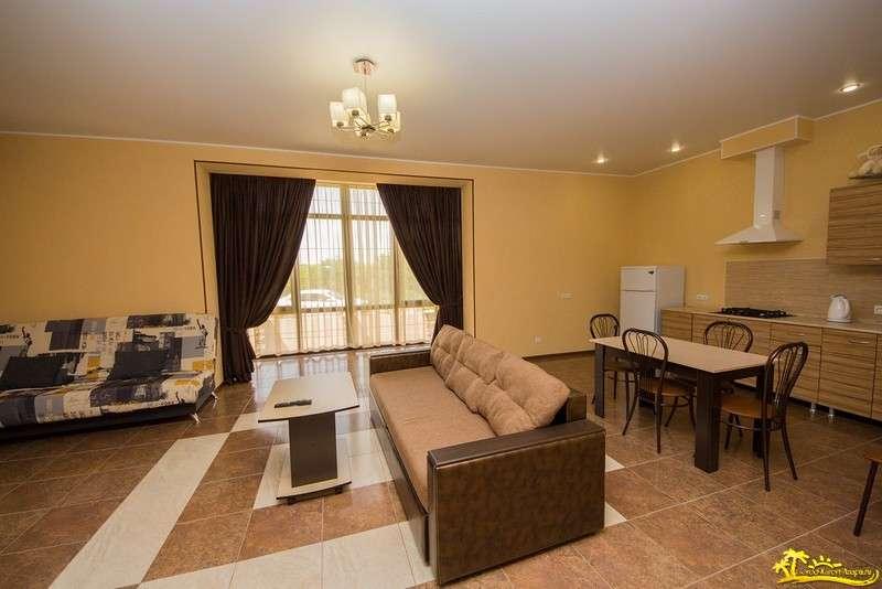 2-комнатная квартира с кухней 100 кв.м (цена за квартиру)