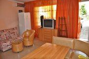 Однокомнатная квартира-студия, четырехместная с отдельным входом. - фото