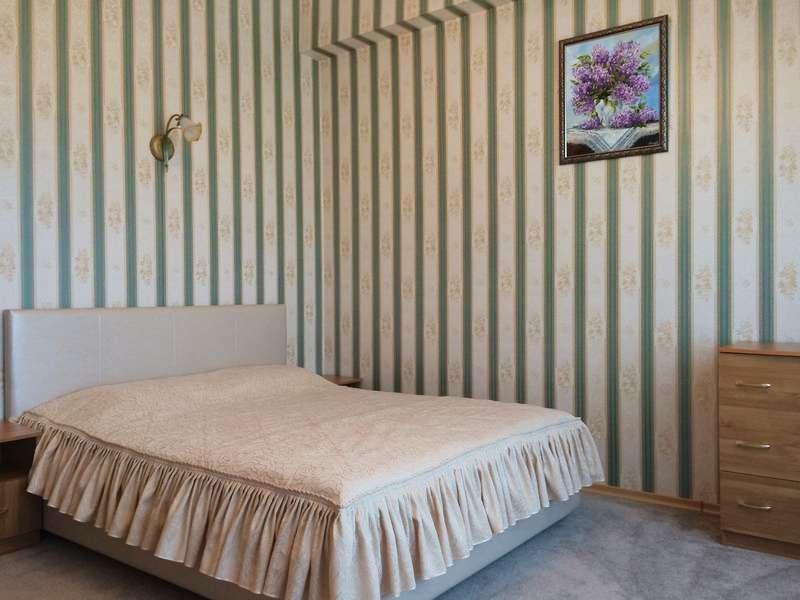 """Двухкомнатный 4-х местный номер """"Люкс"""" спальная и гостинная"""