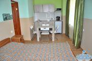 """2-х комнатный семейный 4-х местный (комнаты смежные) """"Студио"""" апартаменты с кухней"""
