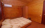 Трехместный домик из сруба - фото