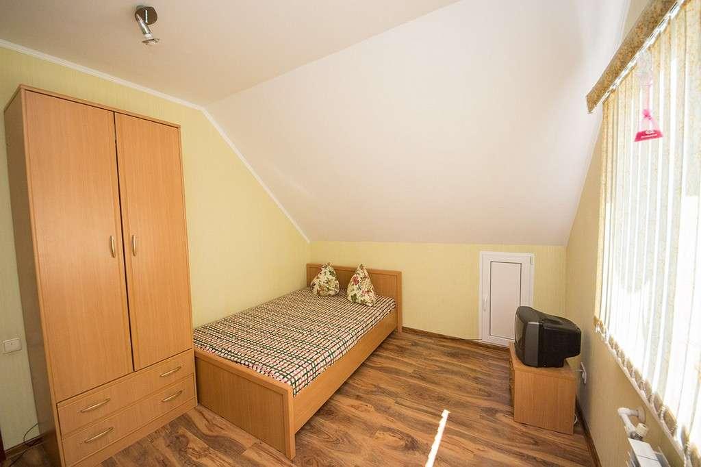 2-х комнатный 4-6-ти местный номер повышенной комфортности с прихожей, кухней.