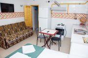 """3-х местный номер """"Эрсико"""" корпус №3 с кухней (без балкона) - фото"""