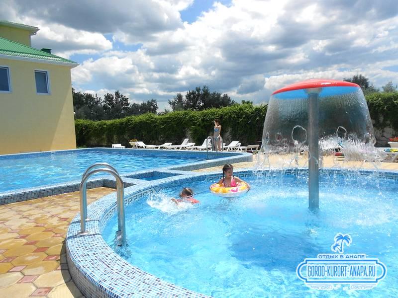Наш любимый бассейн