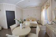 Люкс с кроватью размера