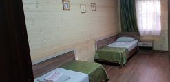 2-х местный номер (две 1,5х кровати) 2-ой этаж с балконом