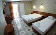 """2-х комнатные 4-5-ти местные номера """"Апартаменты"""" с кухней и балконом"""