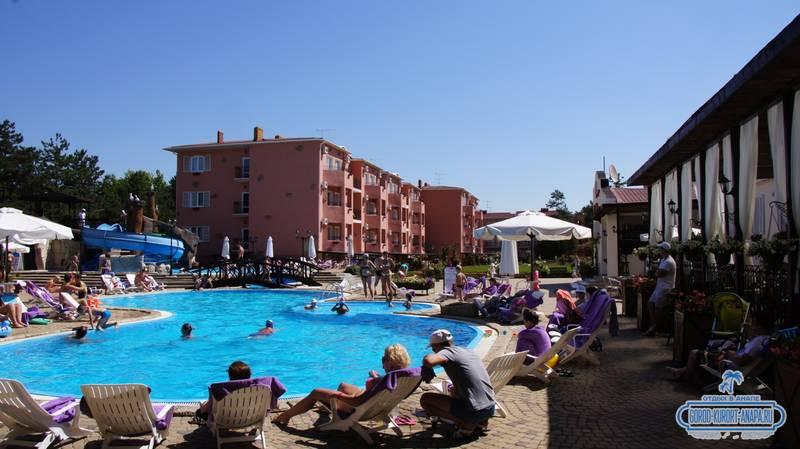 Отель «Ривьера» Анапа - большой бассейн