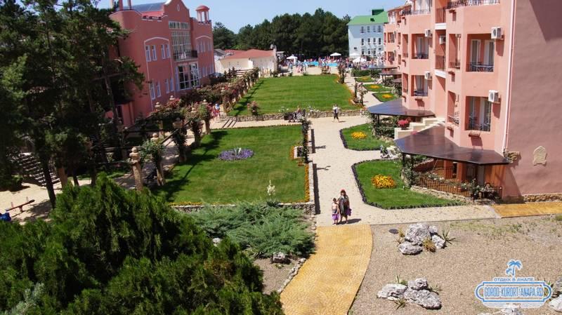Отель «Ривьера» Анапа - прекрасный вид на наш отель сверху